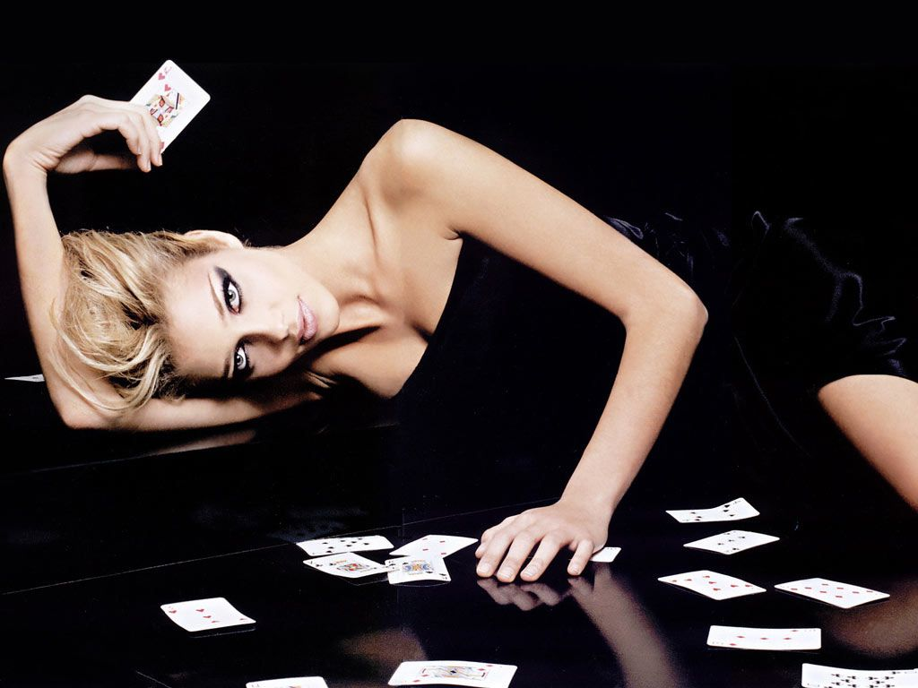 Getting to Know Online Poker Games Closely